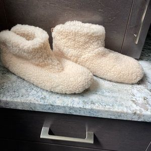 UGG Sherpa slipper women's size 10